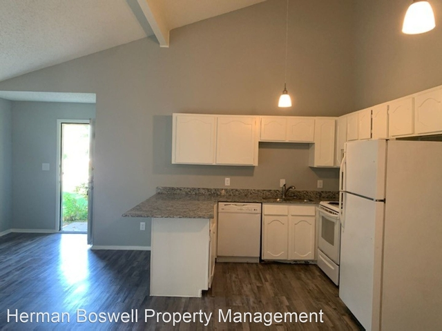 2 Bedrooms, Queensboro Rental in Dallas for $1,050 - Photo 1