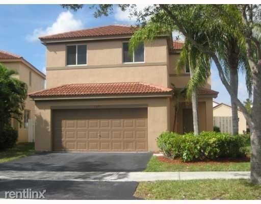 4 Bedrooms, Weston Rental in Miami, FL for $2,975 - Photo 1