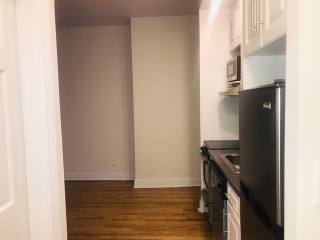 2 Bedrooms, Lenox Hill Rental in NYC for $3,300 - Photo 2