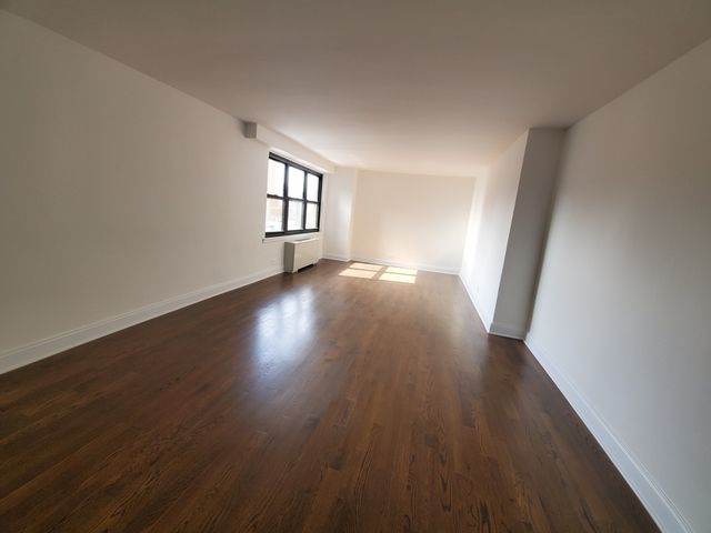 Studio, Yorkville Rental in NYC for $2,360 - Photo 2