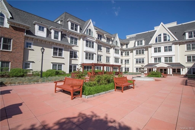 2 Bedrooms, Mamaroneck Rental in Long Island, NY for $4,200 - Photo 1