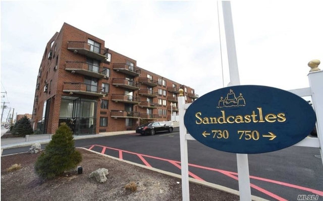 1 Bedroom, Westholme South Rental in Long Island, NY for $2,600 - Photo 1