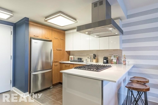 2 Bedrooms, Hell's Kitchen Rental in NYC for $5,995 - Photo 2