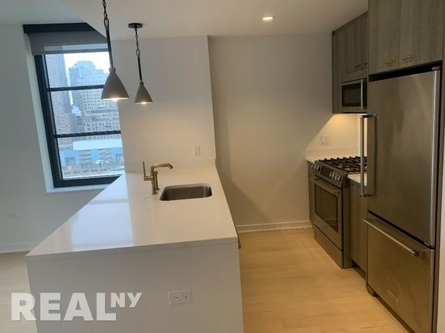 2 Bedrooms, Hell's Kitchen Rental in NYC for $4,650 - Photo 1