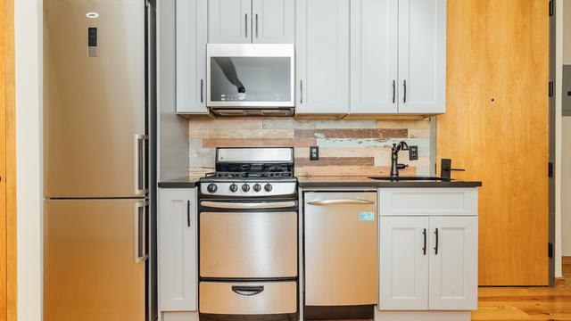 4 Bedrooms, Bushwick Rental in NYC for $3,375 - Photo 1