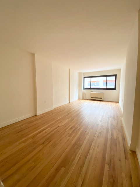 Studio, Gramercy Park Rental in NYC for $2,103 - Photo 2