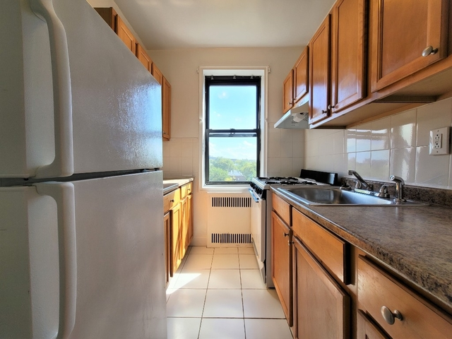 1 Bedroom, Sunnyside Rental in NYC for $2,385 - Photo 1