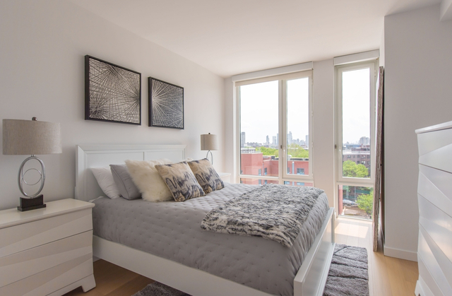 2 Bedrooms, Astoria Rental in NYC for $2,888 - Photo 2