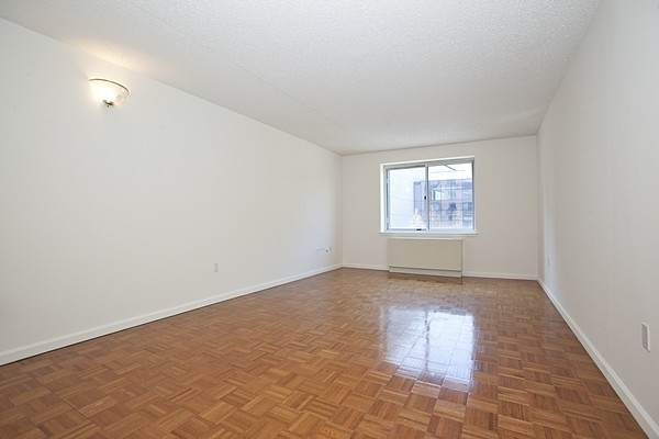 1 Bedroom, Battery Park City Rental in NYC for $2,550 - Photo 1