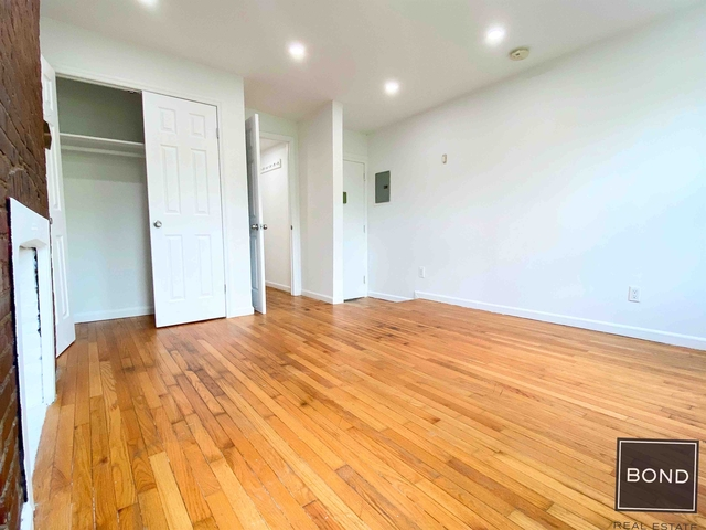 Studio, East Village Rental in NYC for $2,895 - Photo 2