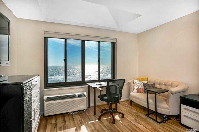 2 Bedrooms, Central District Rental in Long Island, NY for $4,000 - Photo 1