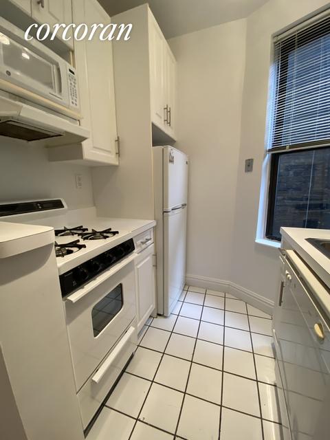 Studio, Yorkville Rental in NYC for $1,850 - Photo 2