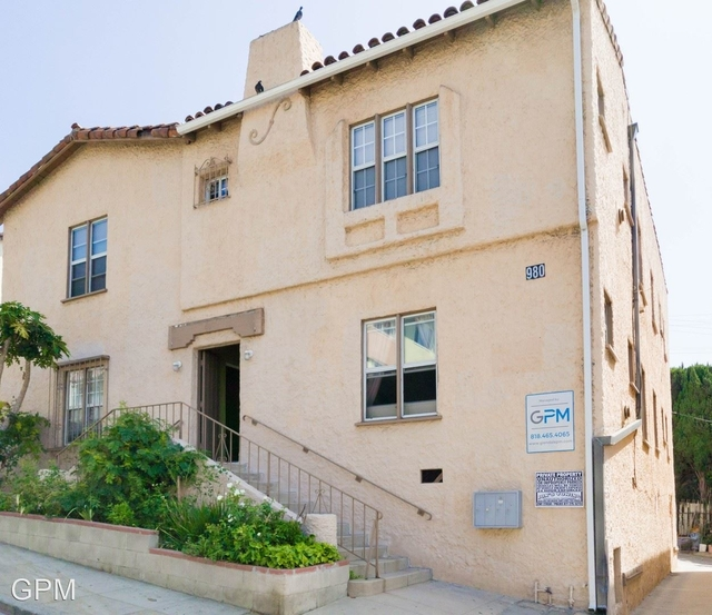 2 Bedrooms, Victor Heights Rental in Los Angeles, CA for $2,100 - Photo 1
