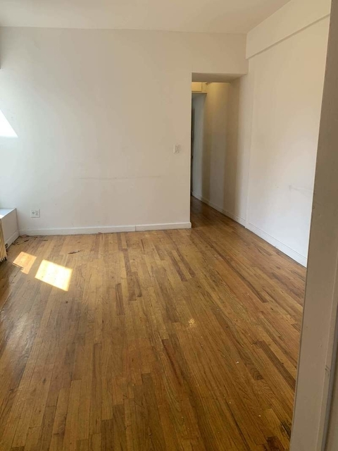 3 Bedrooms, East Village Rental in NYC for $2,833 - Photo 1