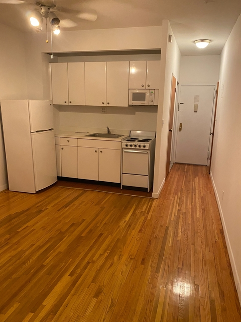 Studio, Theater District Rental in NYC for $1,960 - Photo 1