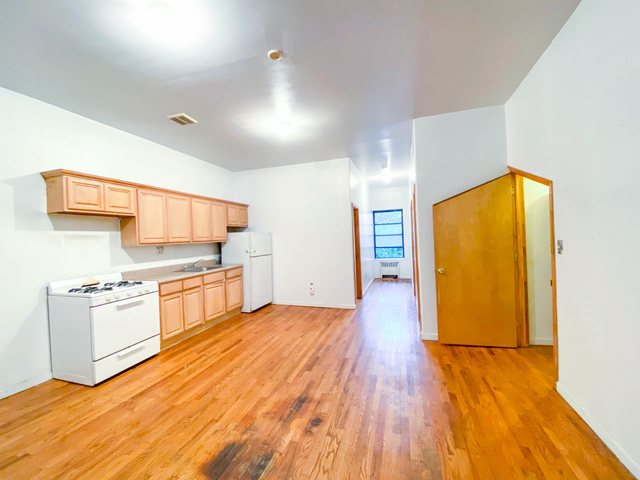 3 Bedrooms, East Williamsburg Rental in NYC for $2,795 - Photo 1