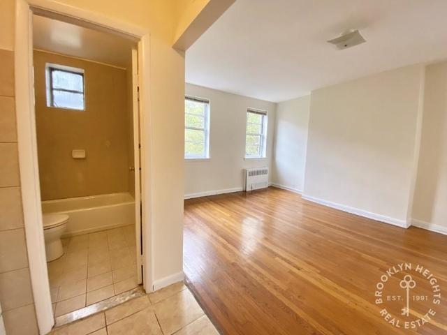 1 Bedroom, Brooklyn Heights Rental in NYC for $2,000 - Photo 1
