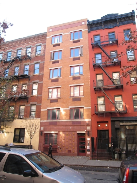 2 Bedrooms, Alphabet City Rental in NYC for $2,167 - Photo 1