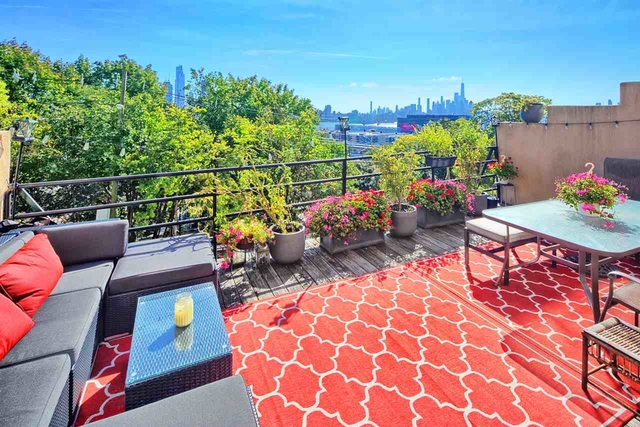 2 Bedrooms, Hudson Rental in NYC for $3,300 - Photo 1