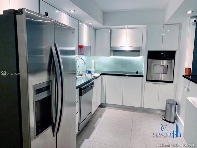 2 Bedrooms, Golden Shores Ocean Boulevard Estates Rental in Miami, FL for $3,175 - Photo 2