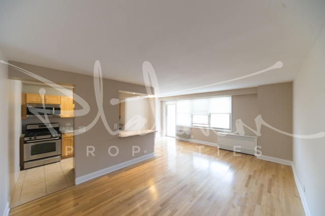 3 Bedrooms, Tribeca Rental in NYC for $5,247 - Photo 2