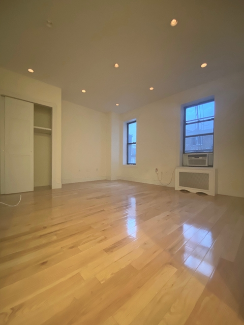 1 Bedroom, West Village Rental in NYC for $2,842 - Photo 1