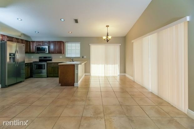 3 Bedrooms, Holiday Springs East Rental in Miami, FL for $2,490 - Photo 1