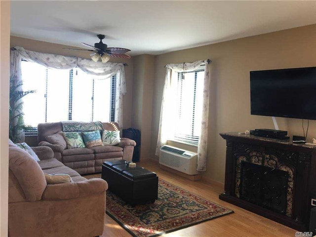 2 Bedrooms, Central District Rental in Long Island, NY for $3,400 - Photo 1