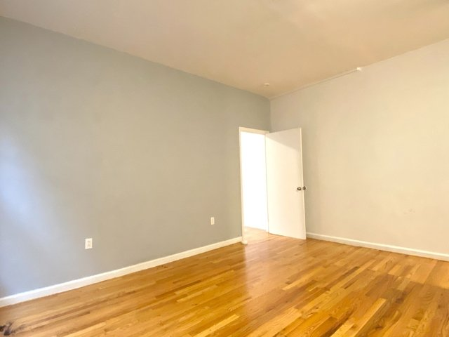 2 Bedrooms, Hudson Heights Rental in NYC for $2,095 - Photo 2