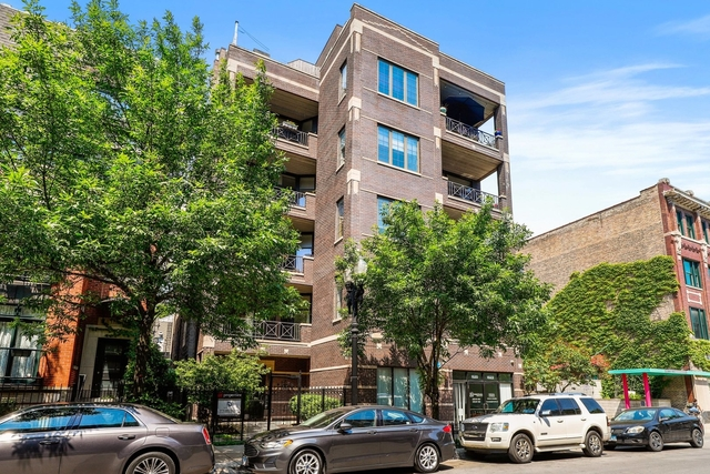 3 Bedrooms, Old Town Rental in Chicago, IL for $4,200 - Photo 1