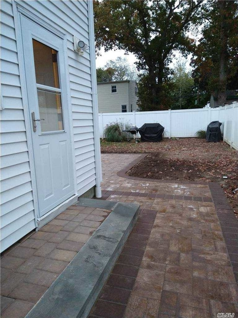 2 Bedrooms, West Babylon Rental in Long Island, NY for $1,700 - Photo 1