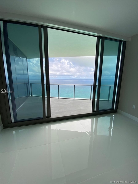2 Bedrooms, Tatum's Ocean Beach Park Rental in Miami, FL for $9,400 - Photo 2