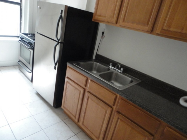 2 Bedrooms, Fort George Rental in NYC for $1,650 - Photo 1
