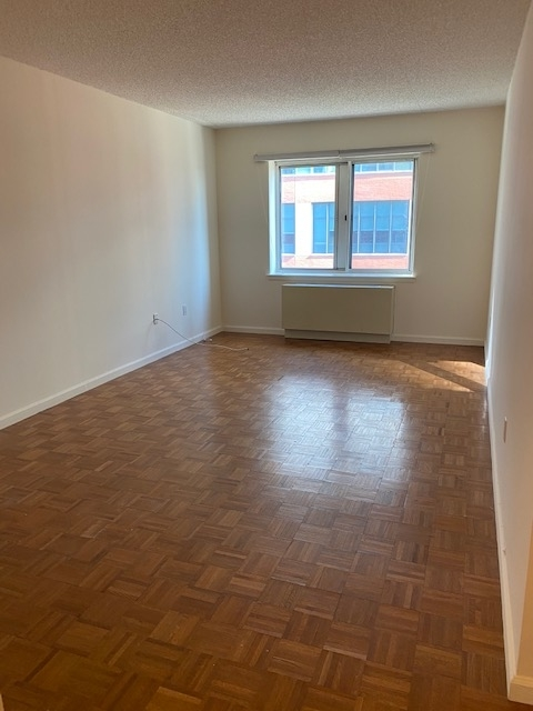 1 Bedroom, Battery Park City Rental in NYC for $2,571 - Photo 1
