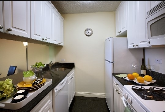 Studio, Yorkville Rental in NYC for $2,242 - Photo 2