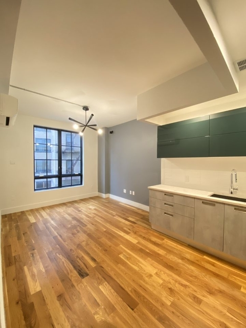 1 Bedroom, Crown Heights Rental in NYC for $2,320 - Photo 2