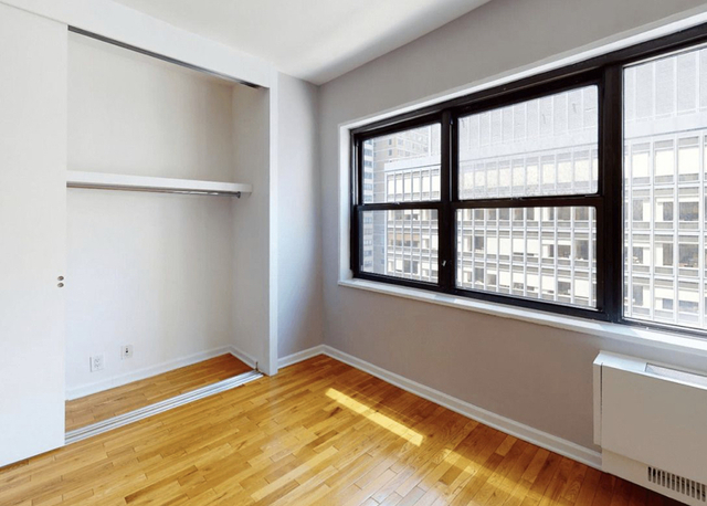 2 Bedrooms, Turtle Bay Rental in NYC for $2,625 - Photo 2