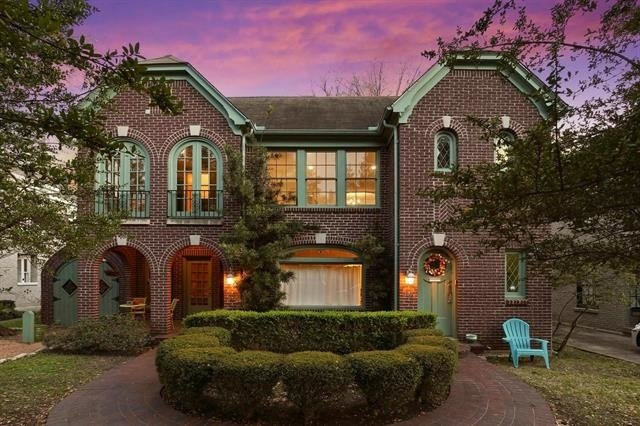 2 Bedrooms, North Oaklawn Rental in Dallas for $2,500 - Photo 1