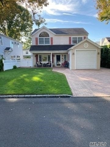 2 Bedrooms, Manorhaven Rental in Long Island, NY for $2,600 - Photo 1