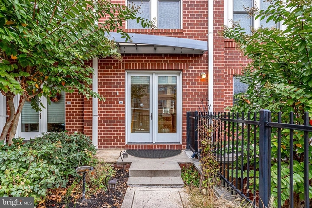 2 Bedrooms, Radnor - Fort Myer Heights Rental in Washington, DC for $4,600 - Photo 1