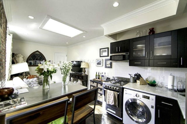 4 Bedrooms, Alphabet City Rental in NYC for $5,700 - Photo 2