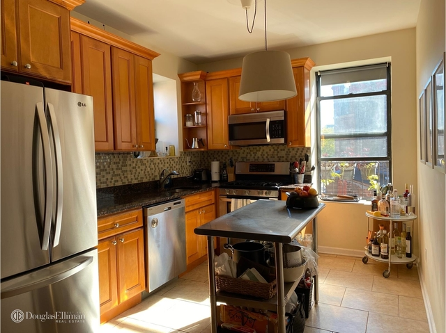 3 Bedrooms, North Slope Rental in NYC for $3,500 - Photo 1