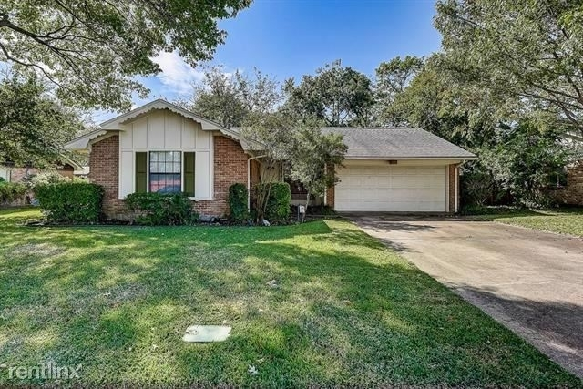 3 Bedrooms, Highland Meadows Rental in Dallas for $2,260 - Photo 1