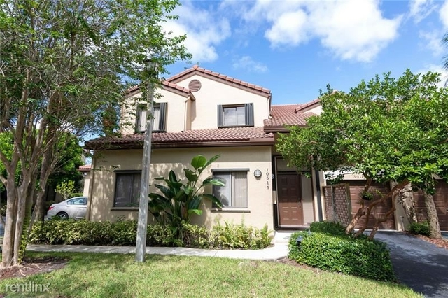 3 Bedrooms, Bridgewater at Plantation Rental in Miami, FL for $2,200 - Photo 1