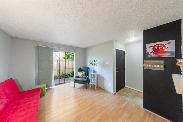 2 Bedrooms, Briarwick Condominiums Rental in Houston for $1,050 - Photo 1