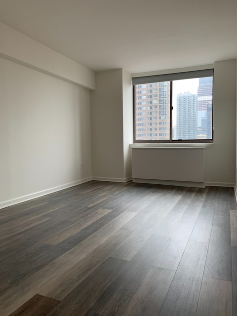 Studio, Hell's Kitchen Rental in NYC for $1,996 - Photo 1