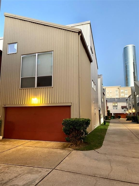 3 Bedrooms, Crosby Street Square Townhome Rental in Houston for $2,150 - Photo 1