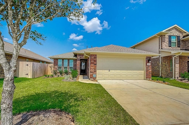 3 Bedrooms, Sugar Land Rental in Houston for $1,850 - Photo 1