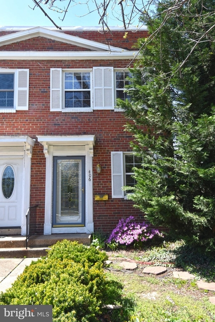 2 Bedrooms, Braddock Road Metro Rental in Washington, DC for $2,300 - Photo 1