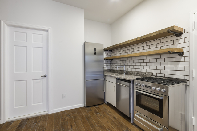 2 Bedrooms, Hell's Kitchen Rental in NYC for $2,496 - Photo 1